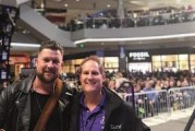 98.5 KTIS and 4000 Fans Welcome Zach Williams to the Mall of America