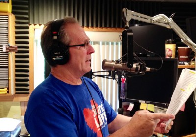 Joe in studio – SOL T-shirt